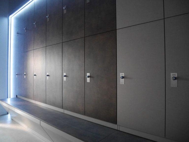 Les armoires luxueuses avec l'éclaiarge par LED